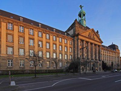 Foto: Bezirksregierung Düsseldorf Cecilienallee sideview von A. Savin CC-BY-SA 3.0, wikimedia