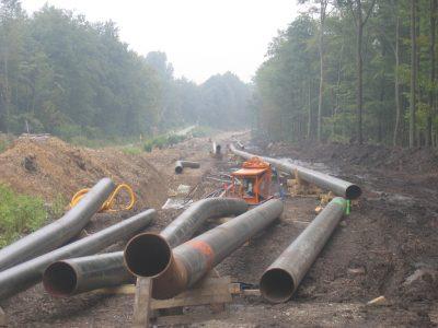Foto: CO-Pipeline-Verlegung bei Duisburg - von Peter Gaßner - Eigenes Werk, CC BY SA 3.0, wikimedia