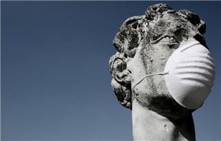 Foto Skulptur mit Atemschutz, Foto von Photocase jonicore
