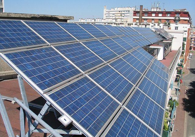 Foto: Solarenergiegewinnung von cverkest, pixabay