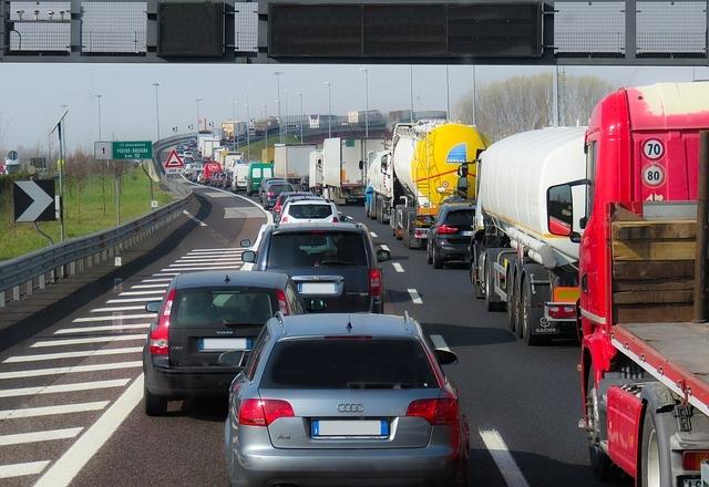 Foto: Verkehr von Gerhard Gellinger, pixabay